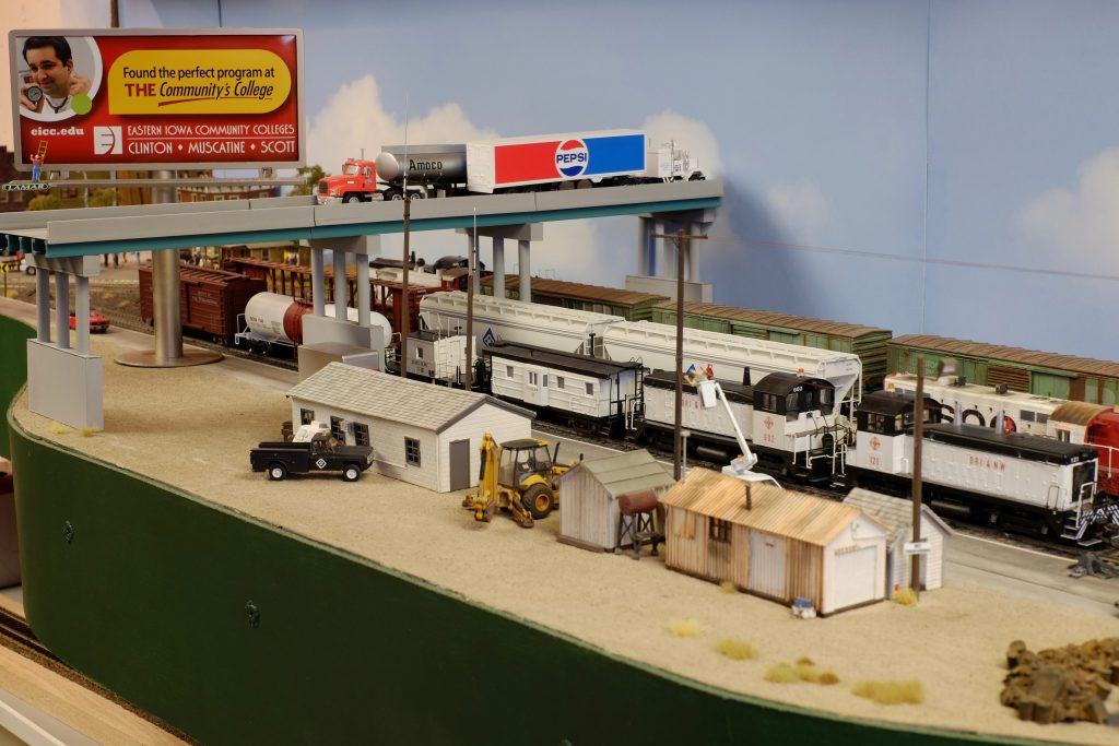 7'X11' HO Scale Train Layout by Frank Weiser from SCC Urban Campus